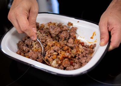 Relleno de carne en bandeja