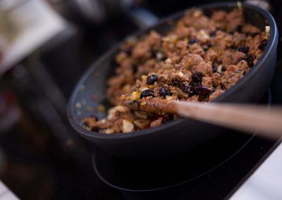 Relleno de carne y pasas de uva